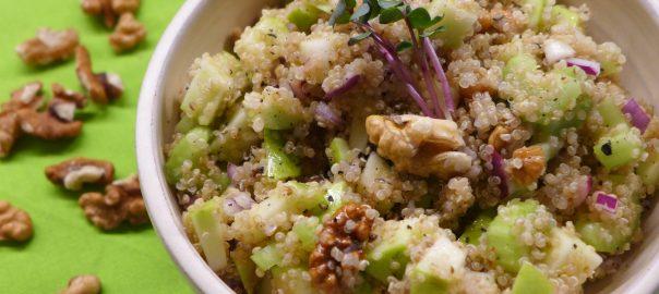 quinoový salát s jablky